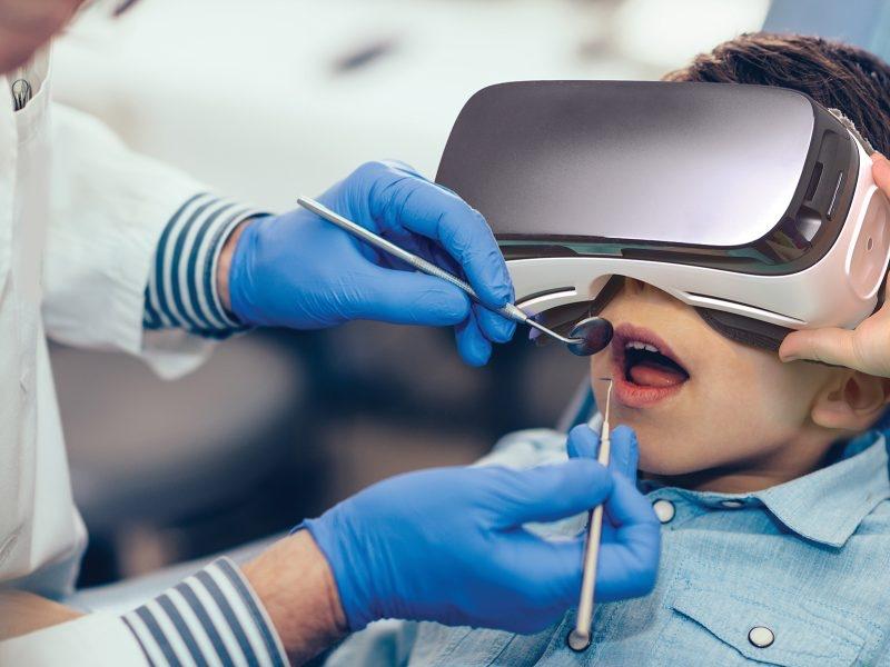 Ứng dụng và lợi ích của thực tế ảo trong lĩnh vực nha khoa